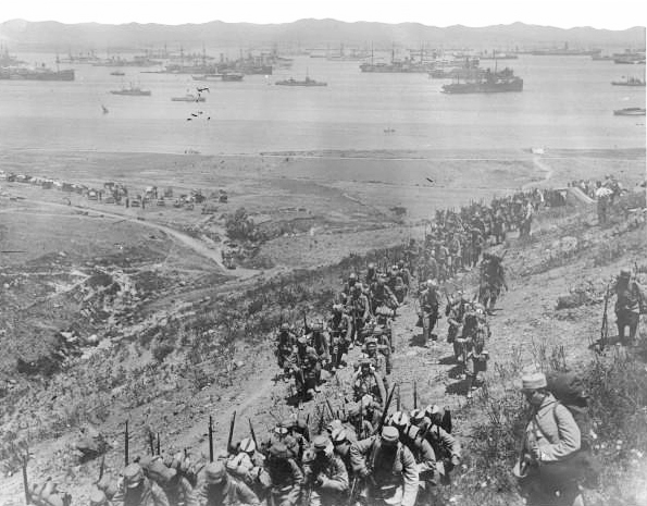 Landing of French troops on Lemnos island, 1915