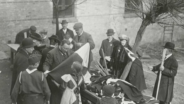 Distribution of Danish flags in the city of Flensburg prior to the referendum - from Det Konglige Bibliotek