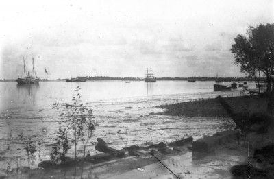 Ships on the Quelimane River (Tropenmuseum collection)