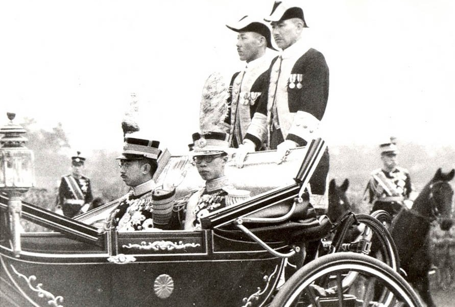 Emperor Kang-de with Emperor Showa of during his visit to Japan, 1935