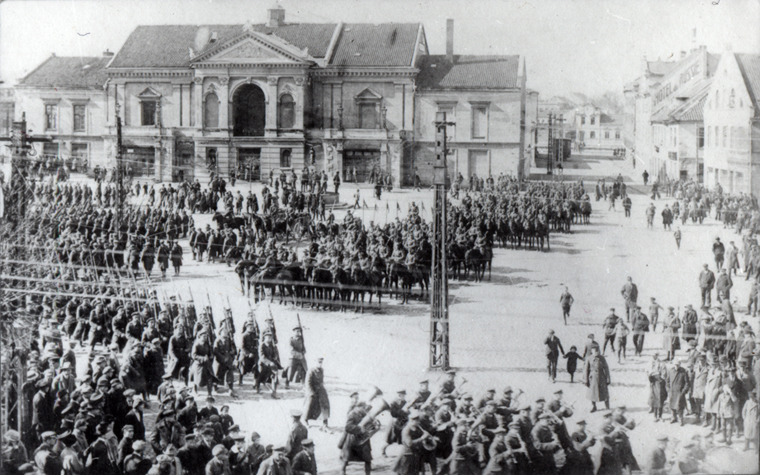 Lithuanian military parade in Klaipeda, 16 Feb, 1923 (Lithuanian State Archive)